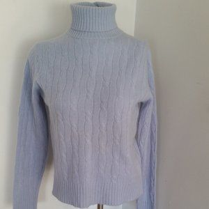 LORD & TAYLOR BLUE CABLE CASHMERE TURTLENECK MED